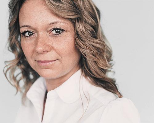 Yvonne Hnida
