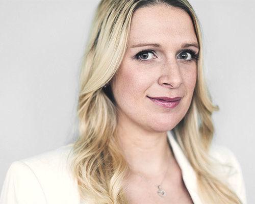 Mitarbeiterin Aileen Regolo der Atlas Titan GmbH